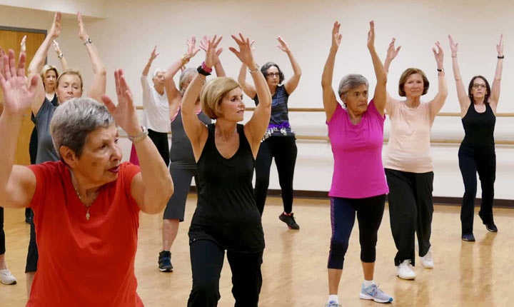 Aerobics - Exercise for seniors at home